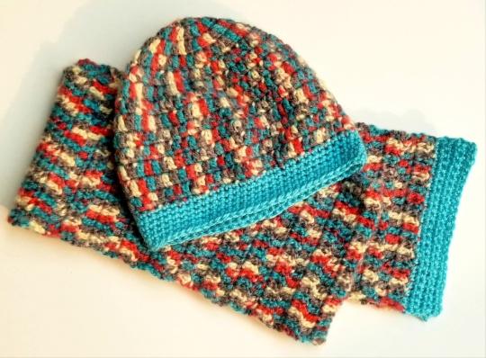 web LE beanie scarf set